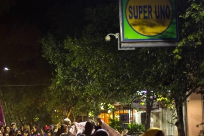 Colonia Caroya: Festejos en el Festival de Salame; Protestas por el cierra del Super Uno