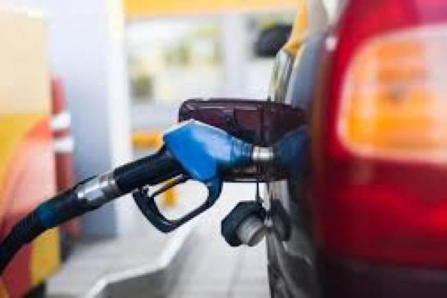 Macri se despide con un aumento de combustibles