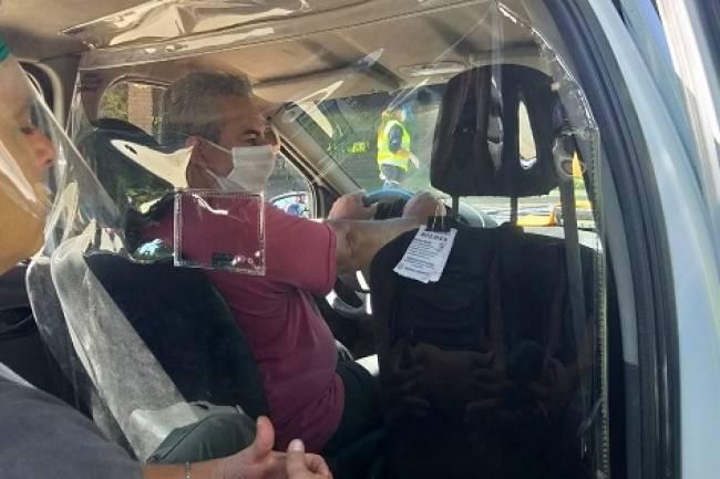 Presentan dispositivo en Mendiolaza para proteger a pasajeros y choferes de remis y taxis