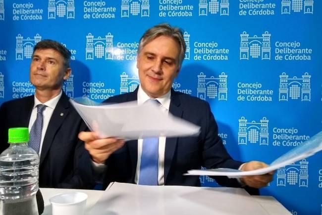 Llaryora emite bonos para pagar a proveedores locales