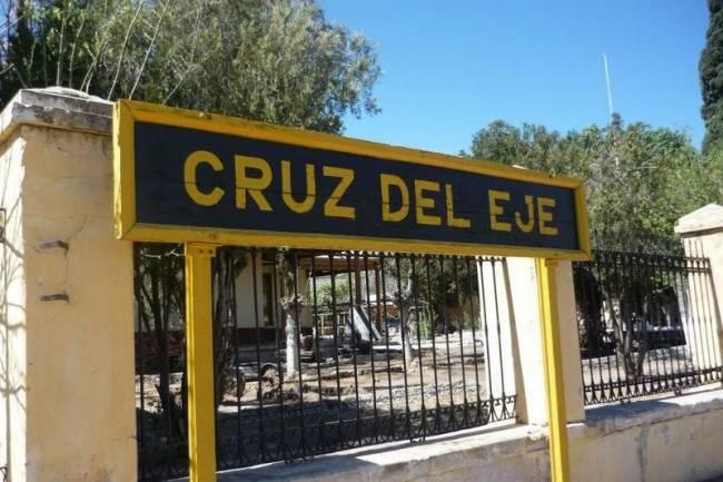 ¿Se levantó la cuarentena en Cruz del Eje? Intendente festejó Día del Trabajador junto a allegados