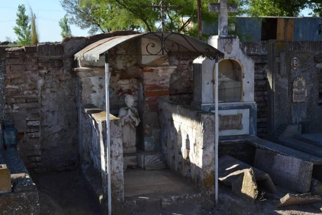 La tumba de la niña que visitan los vecinos de General Cabrera