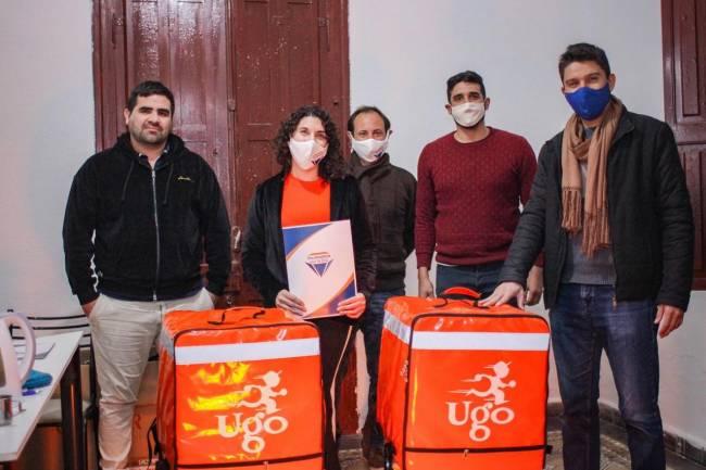 Por la pandemia y con el apoyo de la incubadora del NOC, crece cadetería en Cruz del Eje