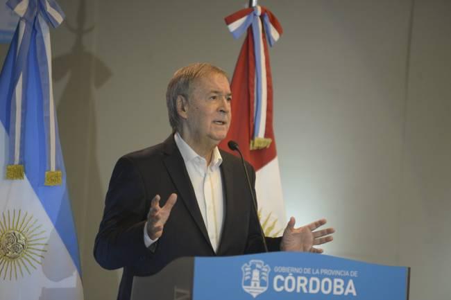 El gobernador Schiaretti anunció que la provincia ha casi triplicado la cantidad de camas con respiradores