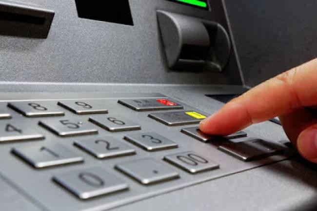 Se extiende hasta el 31 de diciembre la suspensión del cobro de comisiones para operar en cajeros