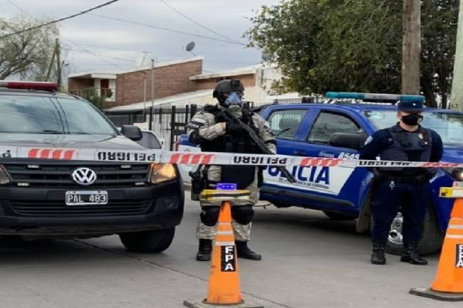 Villa Giardino: siguen los escándalos. Policía involucrada en narcomenudeo y excomisario amenazado de muerte