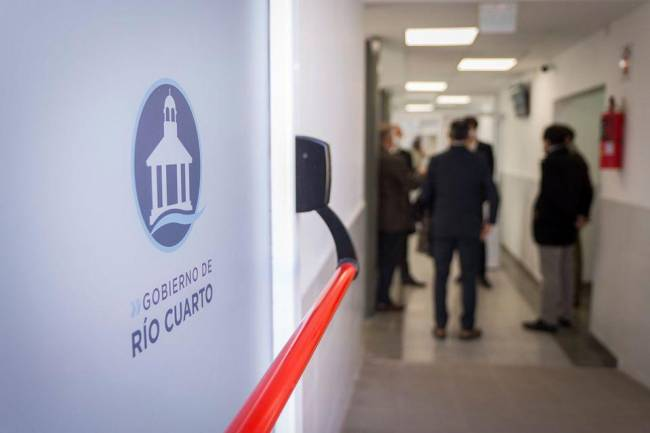 """Río Cuarto: Las elecciones sí o sí a pesar de una """"oleada"""" de nuevos casos de covid para la próxima semana"""