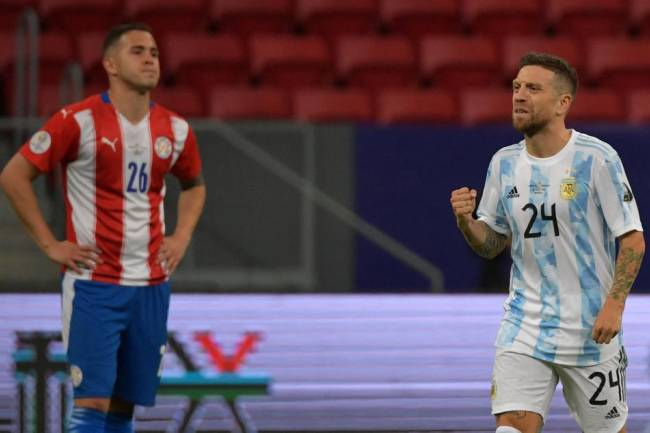 Argentina, sin brillar, pasó a cuartos de final tras superar a Paraguay