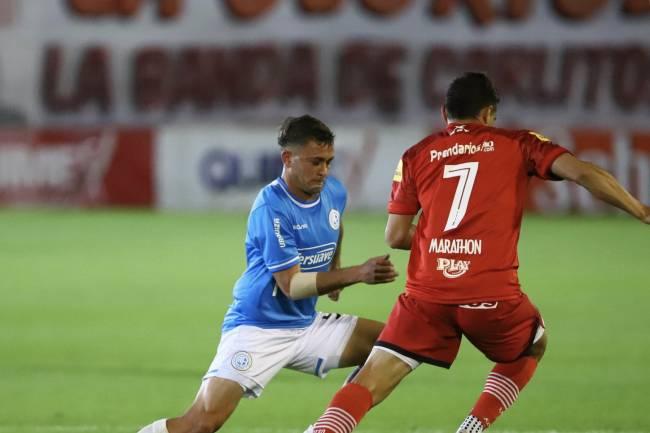 Belgrano empató y se alejó de la punta