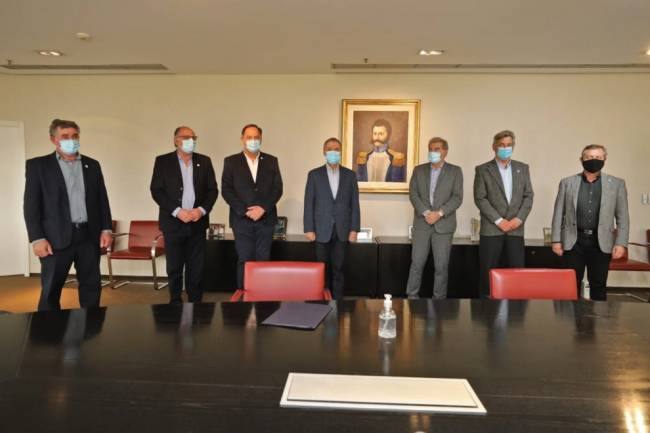 Schiaretti se reunió con autoridades de la Mesa  de Enlace Nacional