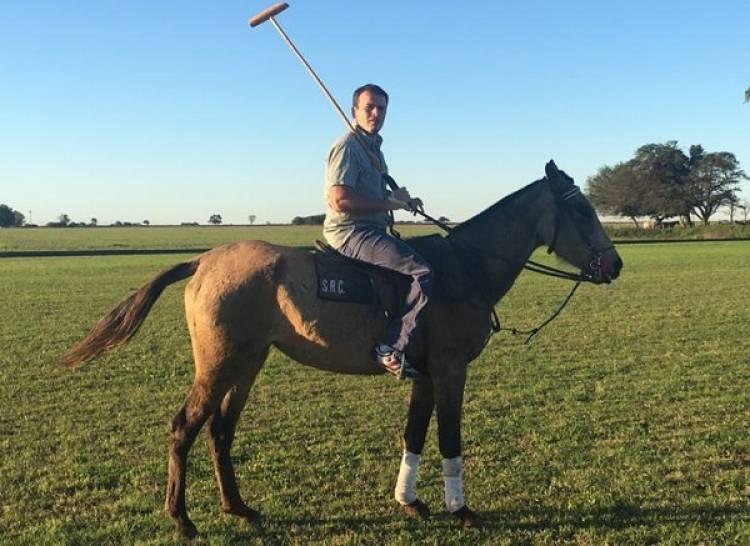 La historia del cordobés que juega al polo con su pierna amputada