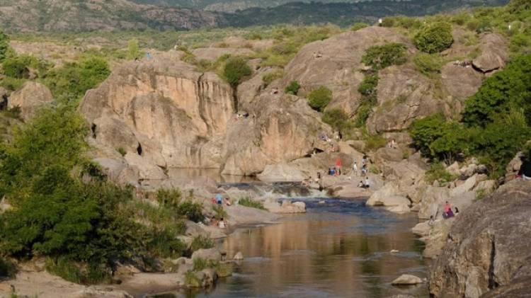 El río Mina Clavero es una de las 7 Maravillas Naturales Argentinas
