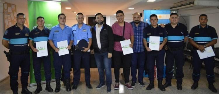 Héroes Policías son reconocidos por Concejales