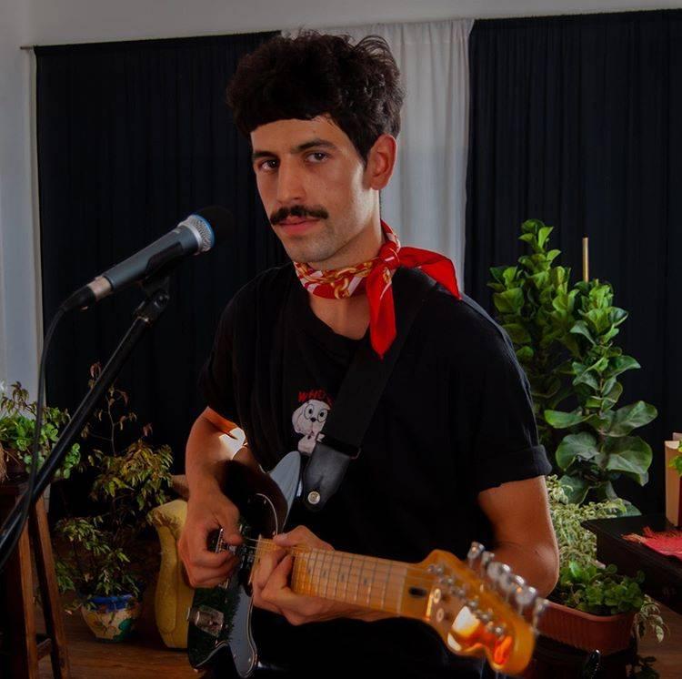 """Natalio González estrenó videoclip de la canción """"Espejos"""", que integra su primer disco solista."""