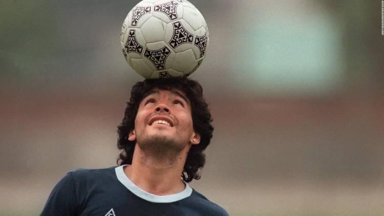 Día Nacional de la Pelota de Fútbol: ¿Maradona o Bell Ville?